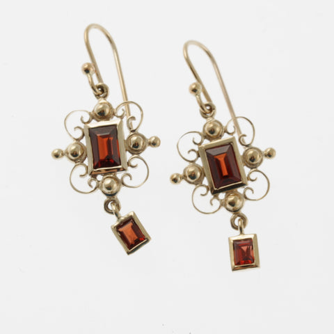 Garnet yellow gold rectangle detail drop vintage style earrings