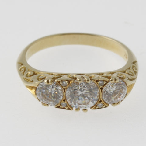 Multi diamond ring with low setting in a vintage style