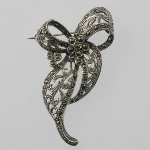 Open lace bow brooch in marcasite and sterling silver
