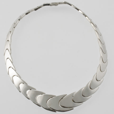 Smooth scales mexican silver necklace