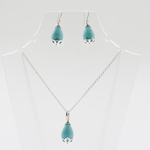 Shell earring, pendant and chain set in aqua, drop