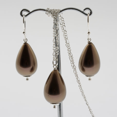 Shell earring, pendant and chain set in chocolate, drop
