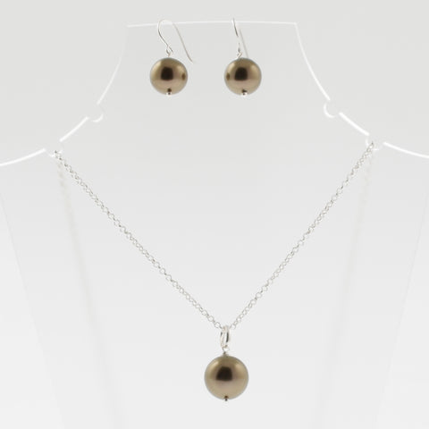 Shell earring, pendant and chain set in chocolate, round