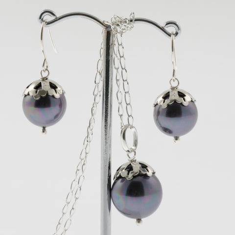 Shell earring, pendant and chain set in midnight, round