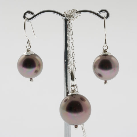 Shell earring, pendant and chain set in purple, round