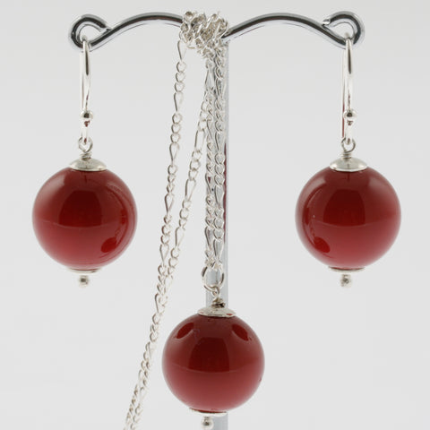 Shell earring, pendant and chain set in red, round