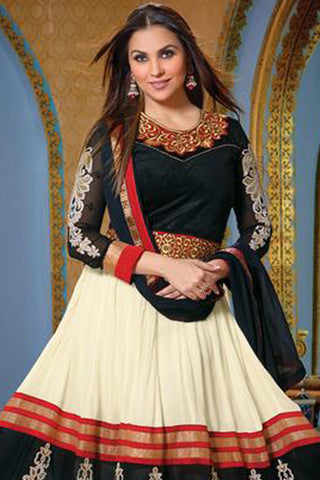 Lara Dutta Collection:atisundar enticing   in Cream And Black - 4966
