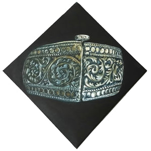 Arabian silver jewelry