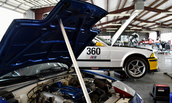 Miata and E36 in Pits