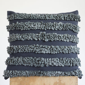 LOOP Pillow in Grey/Grafito
