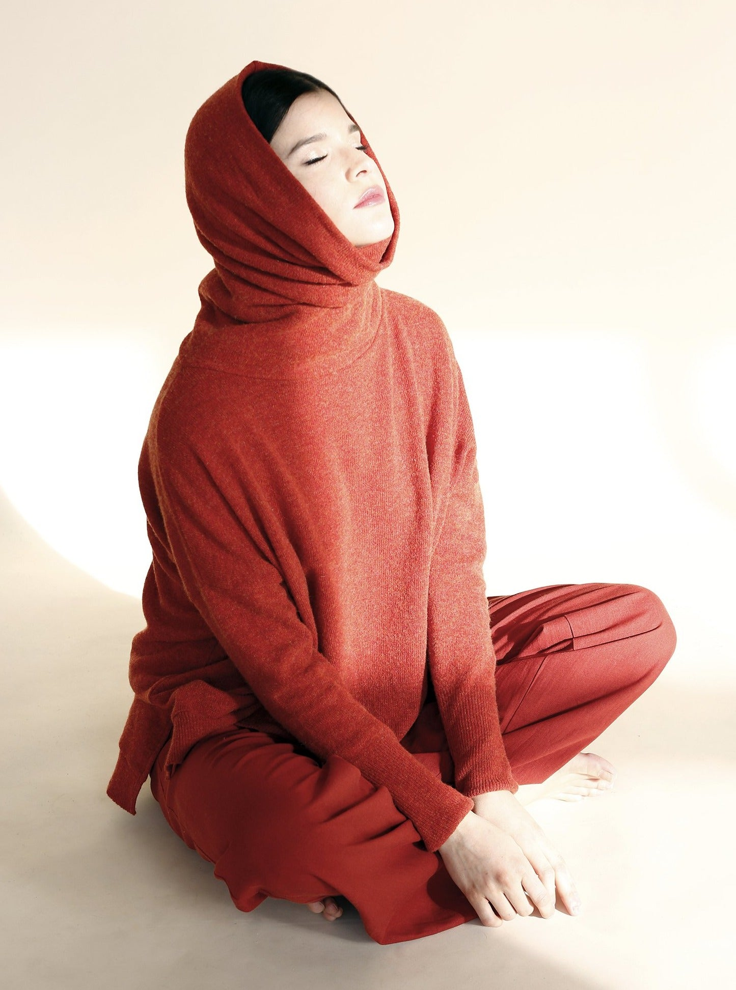 NODO Turtleneck in Rust Orange