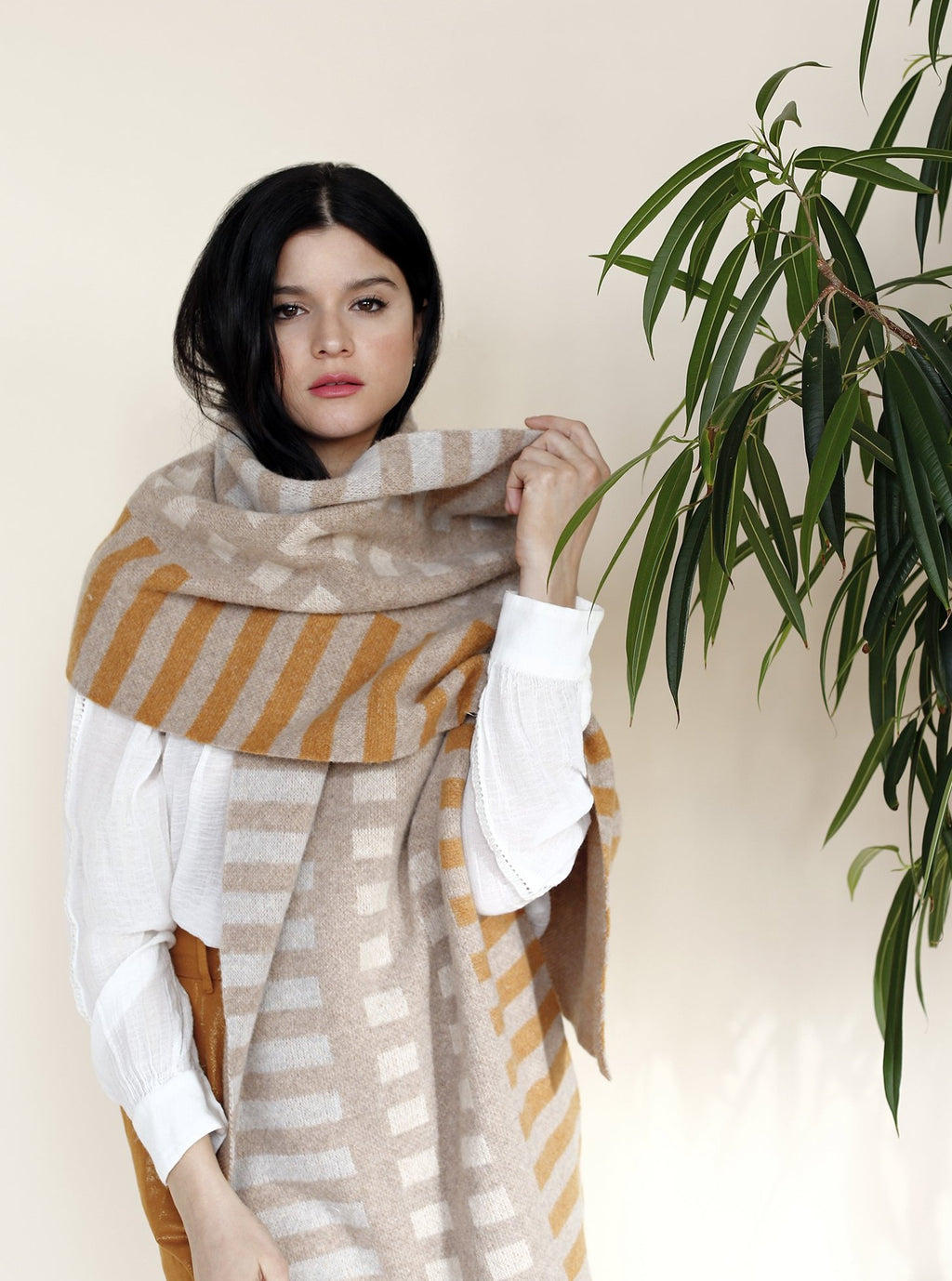 TERO Oversize Scarf Light