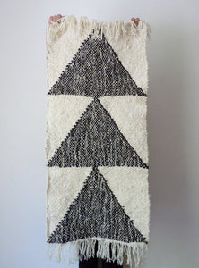 ARROW Small Rug in Black Sheep Wool