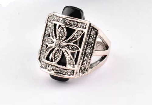 Uptown chic Ring - Julie Porter