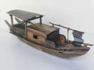 Model Sanpan with cabin