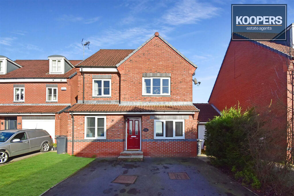 3 Bedroom house for sale Dodgewell Close Blackwell DE55 5HB