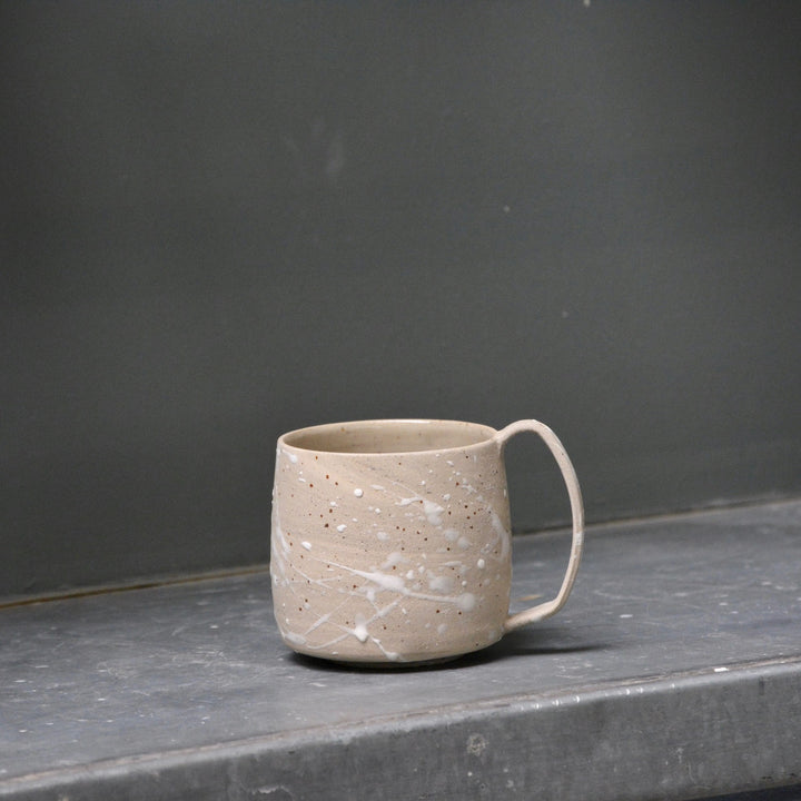 Lazy & Relax mug in Reclaimed & Recycled stoneware & white splash decoration.