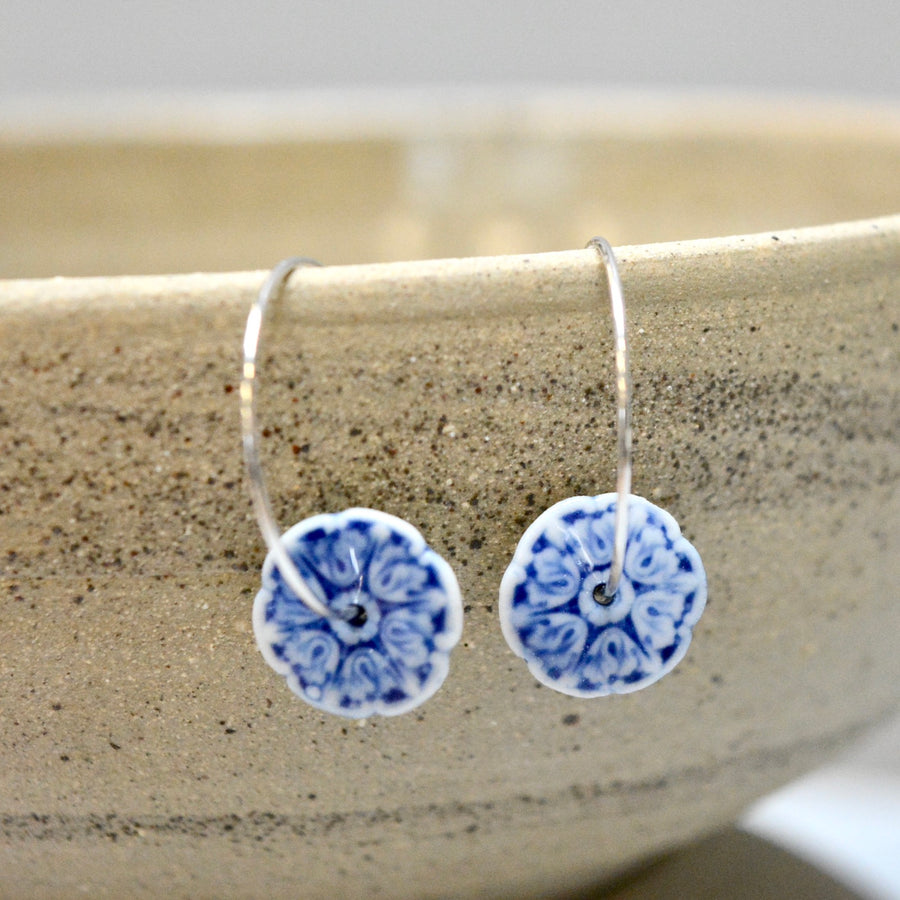 Parisain earrings  - on hoops in white and classic - gloss - small.