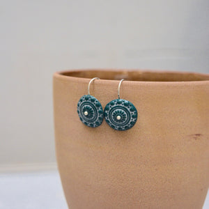 Zeeuwse knot in dark blue green and white - gloss - small earwire