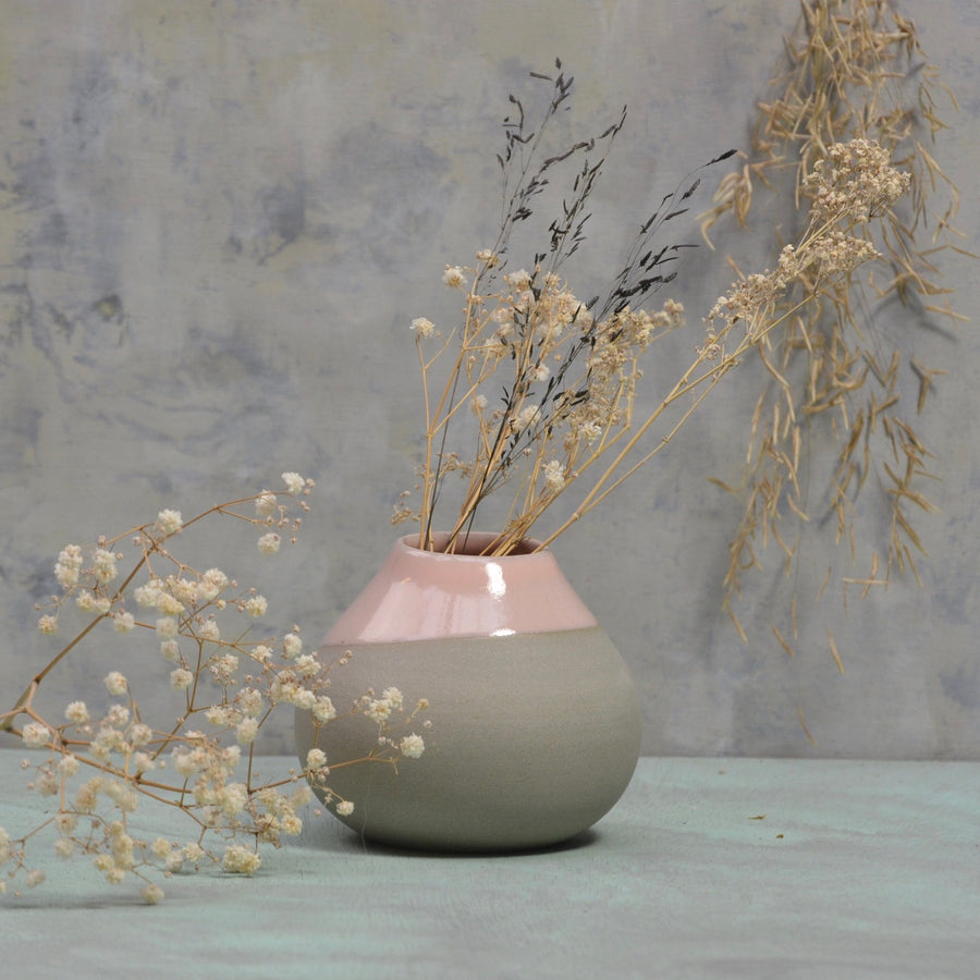 Stone & Color Vase - Just a lovely belly - grey and soft pink.