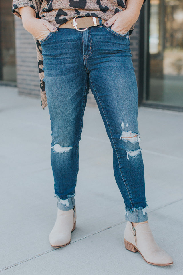 Mid-Rise Distressed Crop