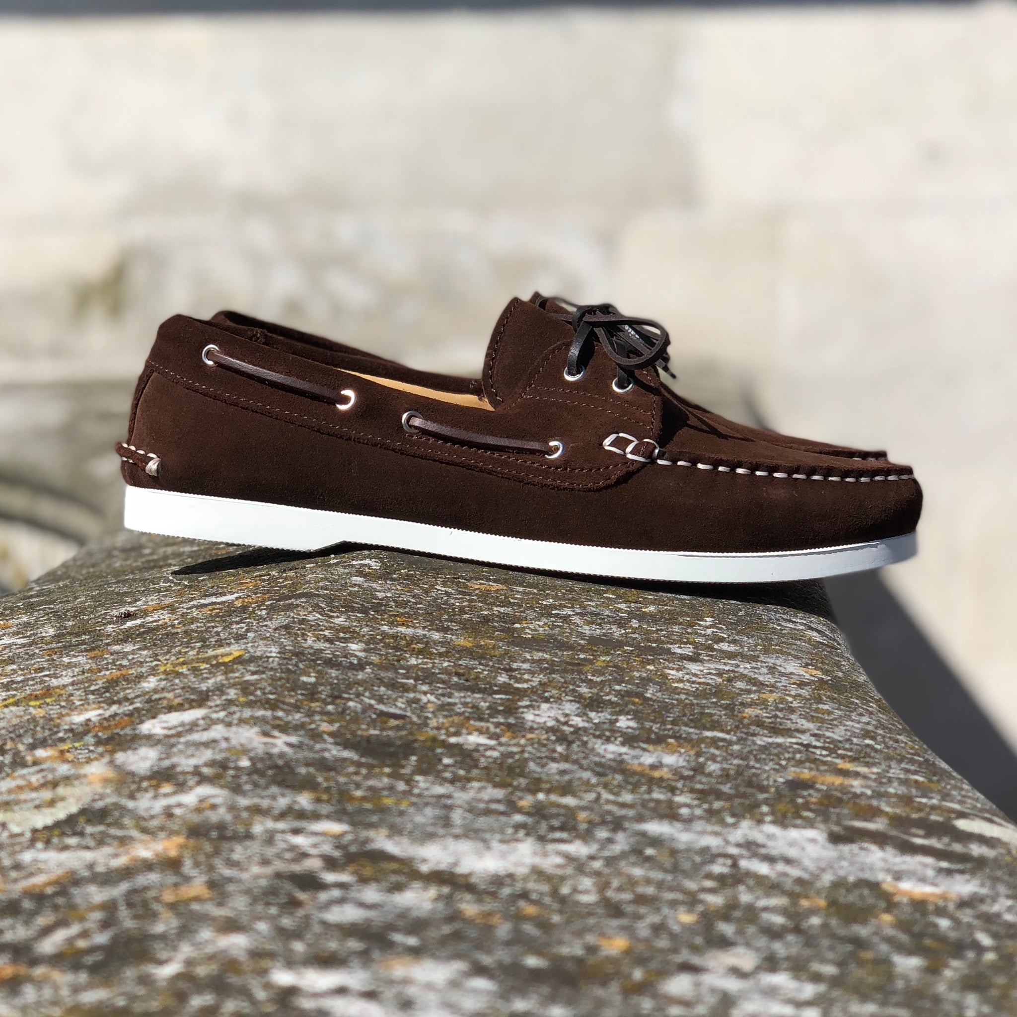 hugs and co brown deck shoes