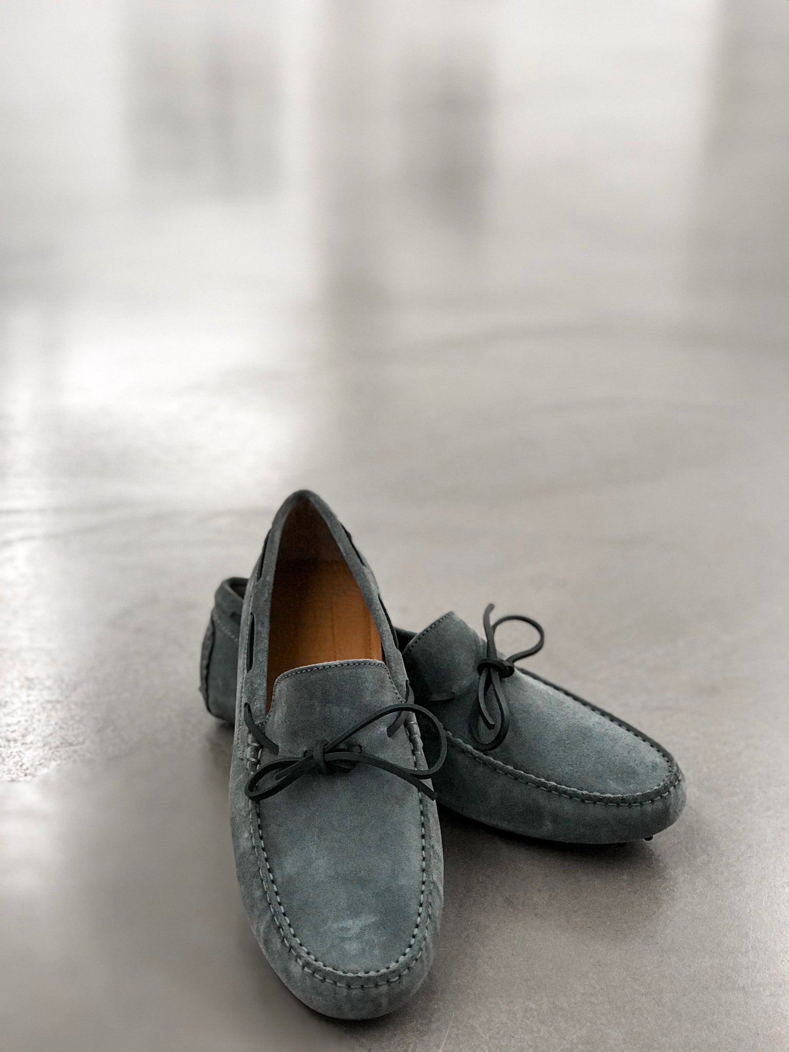 Hugs & Co. grey laced loafers