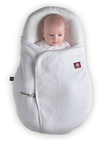 Baby in Cocoonababy with White Cocoonacover closed