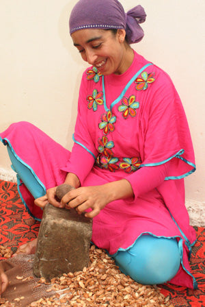 Argan oil cooperatives helps Berber women