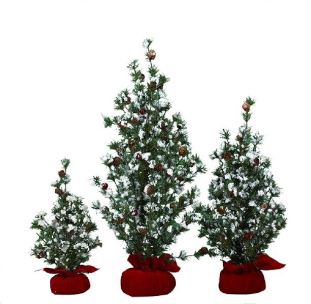 "Christmas Tree with Gift Bag/Berries - 24""H - Bloom'n Things"