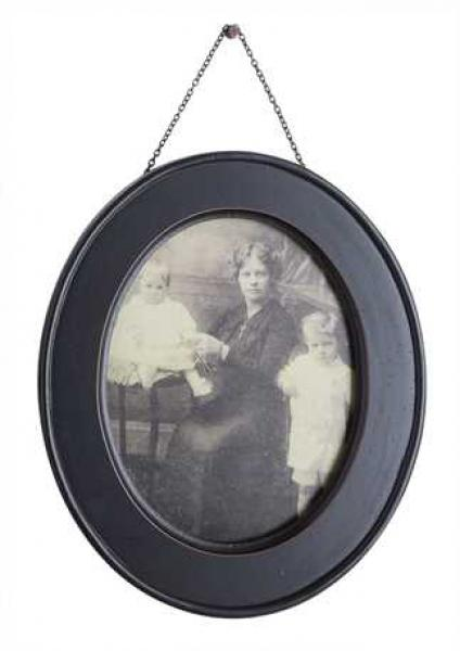 Oval Wood Hanging Photo Frame - (8X10 Photo Size) - Bloom'n Things, LLC