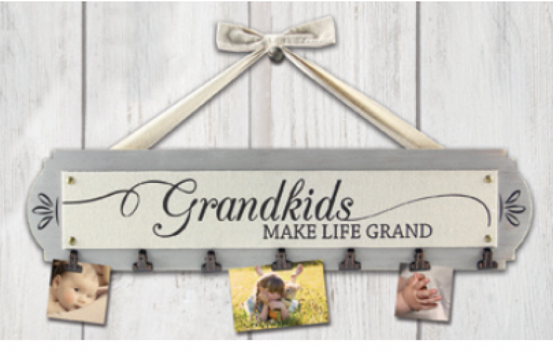 """Grandkids make life grand"" Sign with photo clips - Bloom'n Things"
