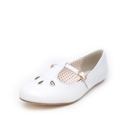 B.A.I.T. Everline White Flats