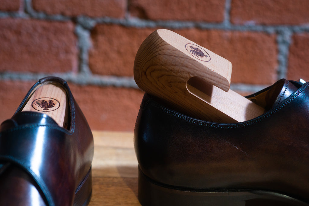 Leather shoes with a shoe tree - how to care for leather shoes