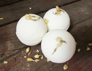 JASMINE + HONEY Bath Bomb