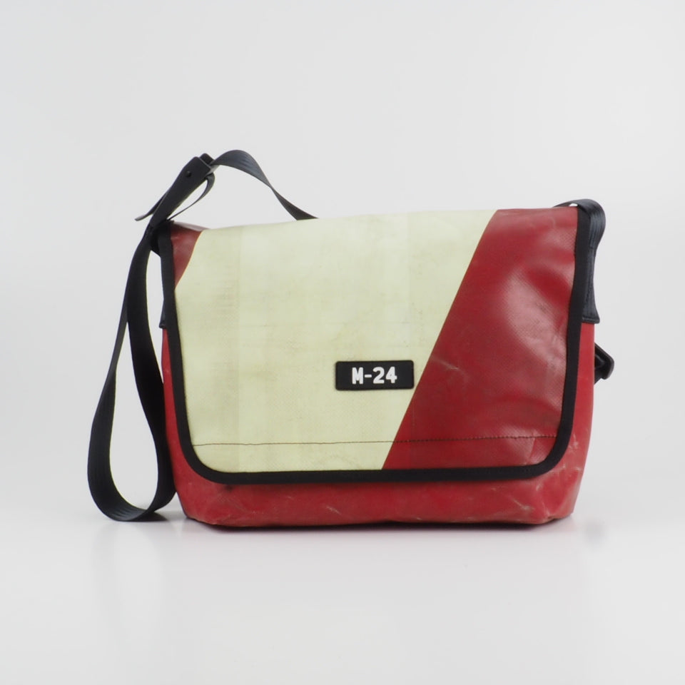 Messenger - red and cream - No.631