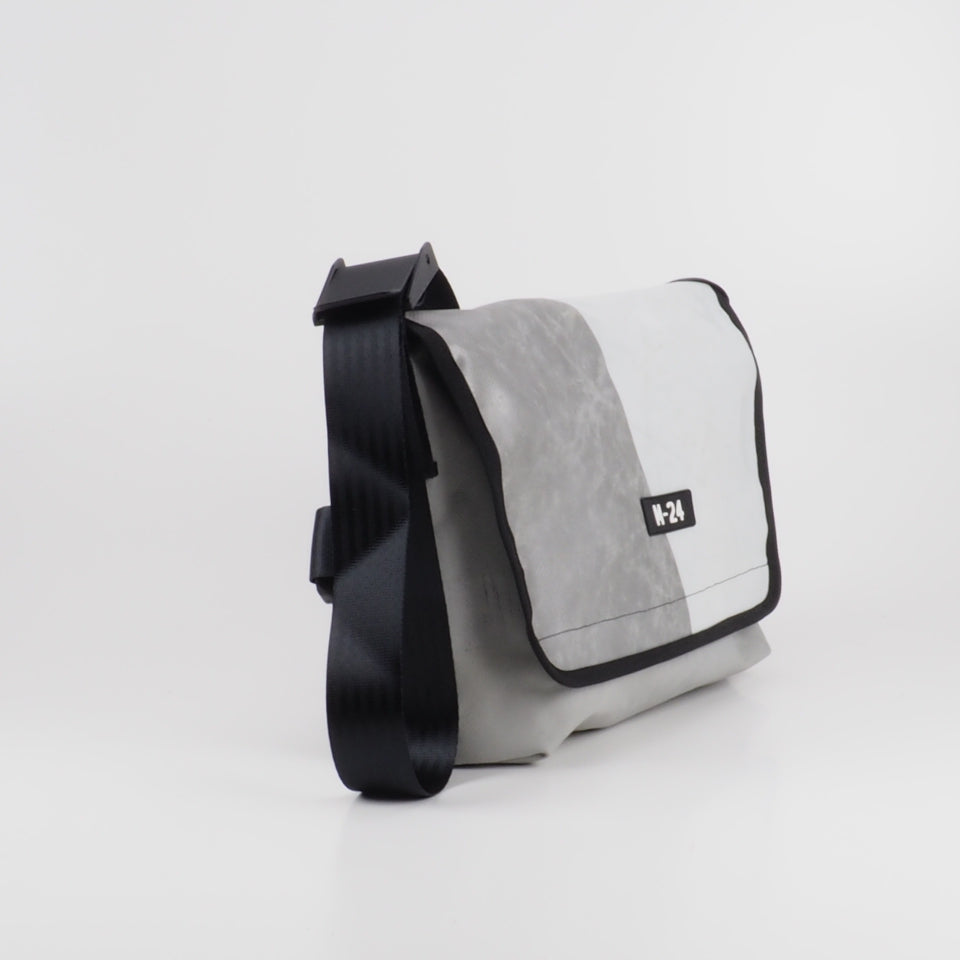 Messenger - concrete grey - No.622