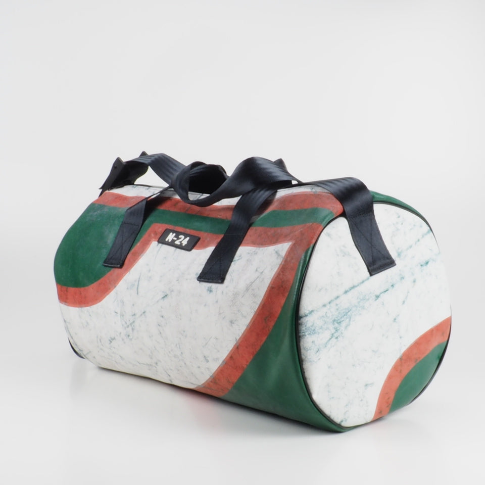 Duffle - red, green and white - No.1007