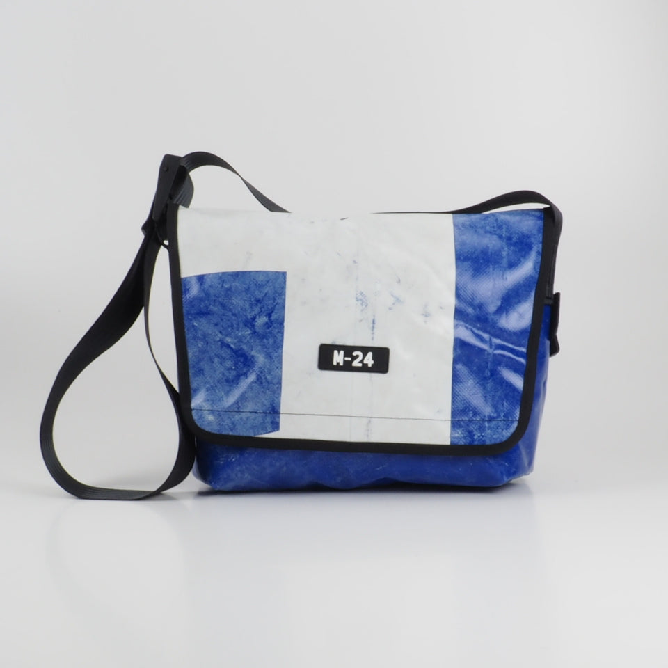 Messenger - blue and white - No.742