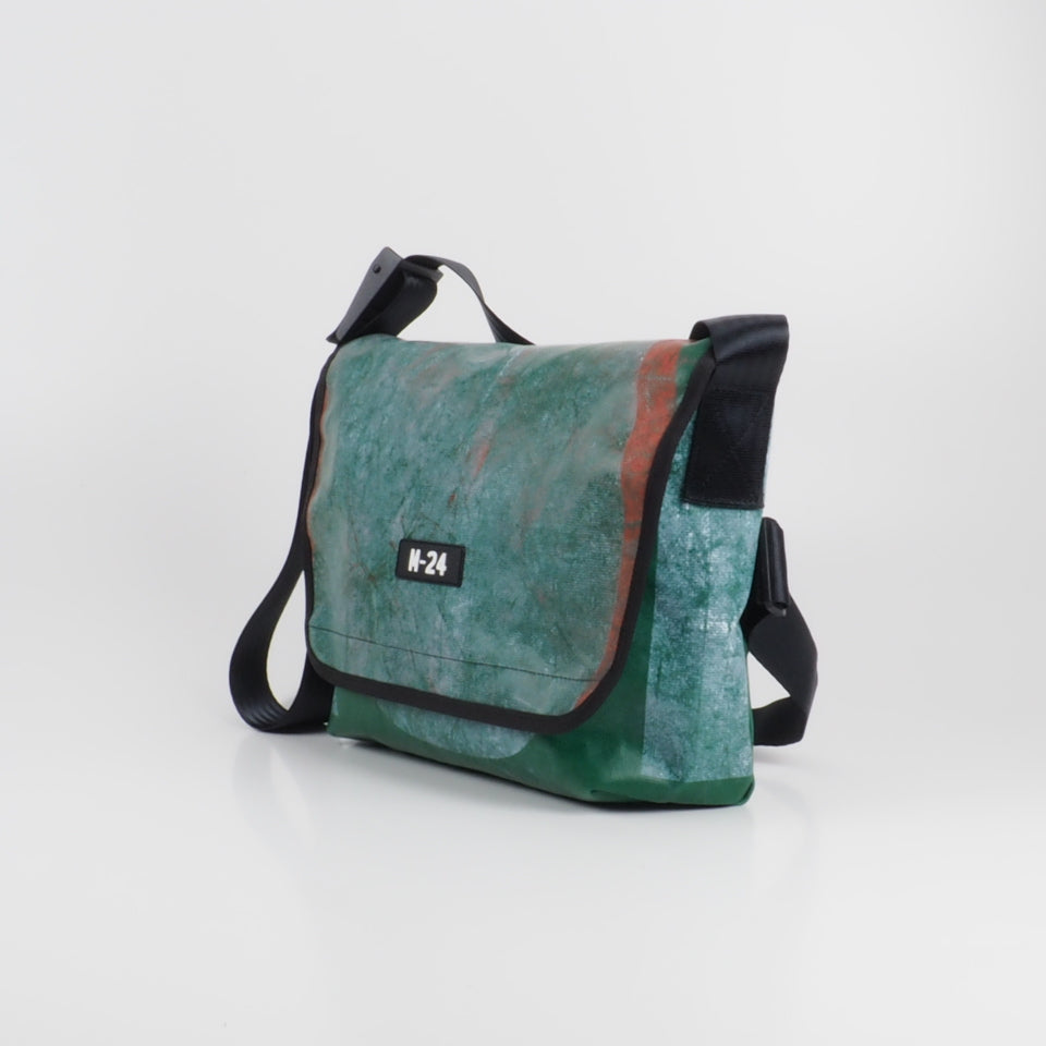 Messenger - dark green - No.737