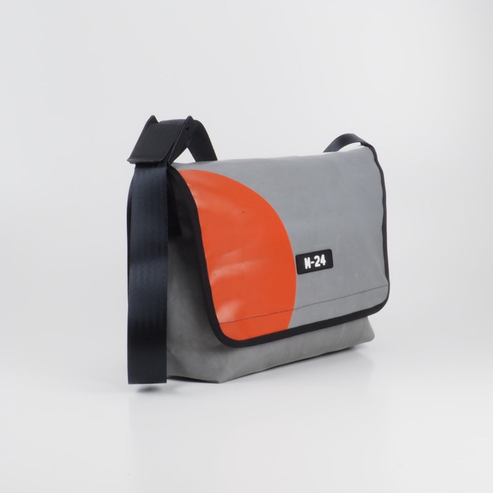 Messenger - grey, white and orange - No.732