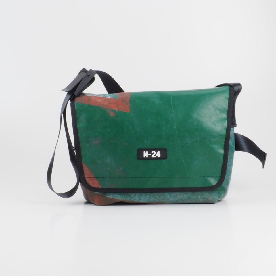 Messenger - dark green - No.728
