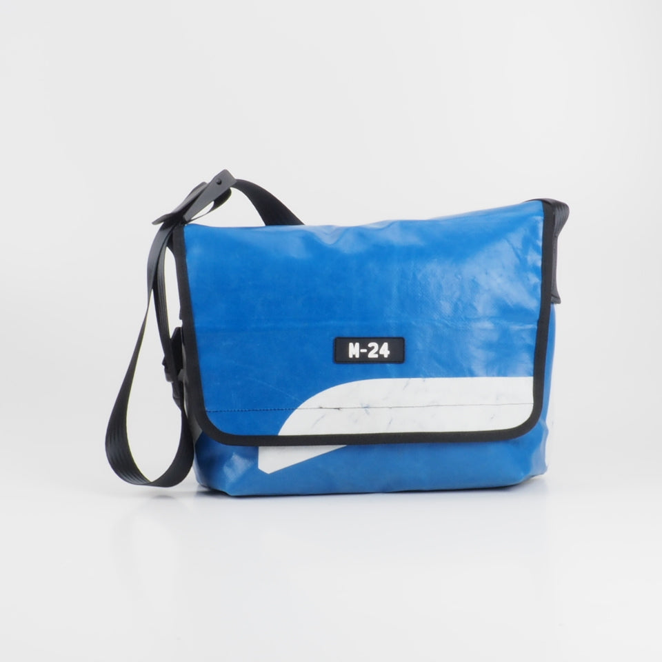 Messenger - blue and white - No.723