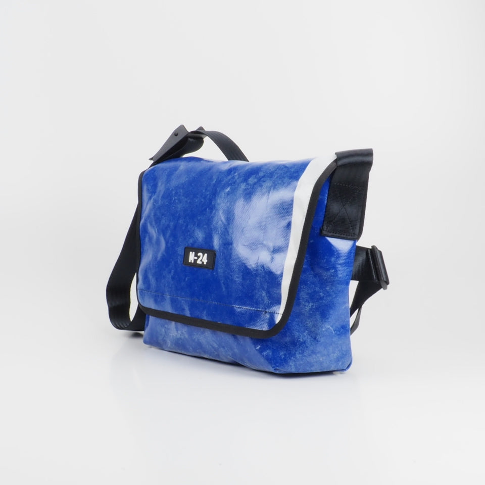Messenger - blue and white - No.710
