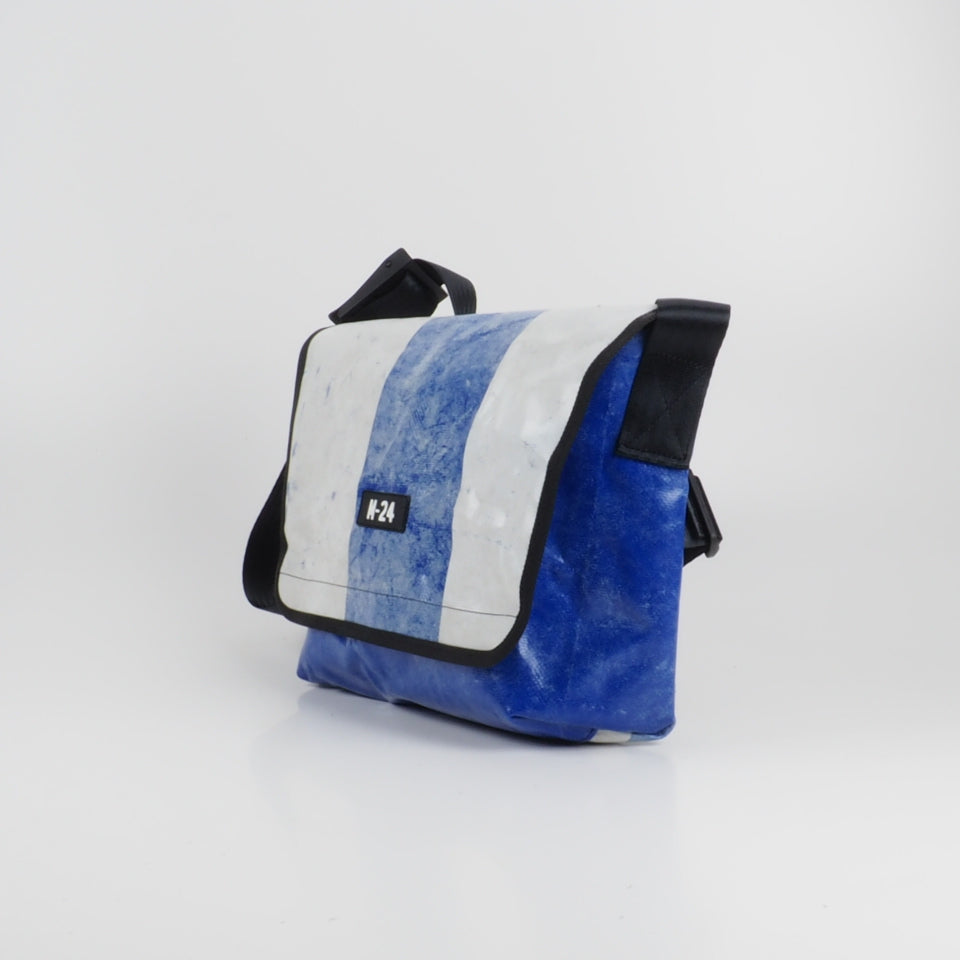 Messenger - blue and white - No.701
