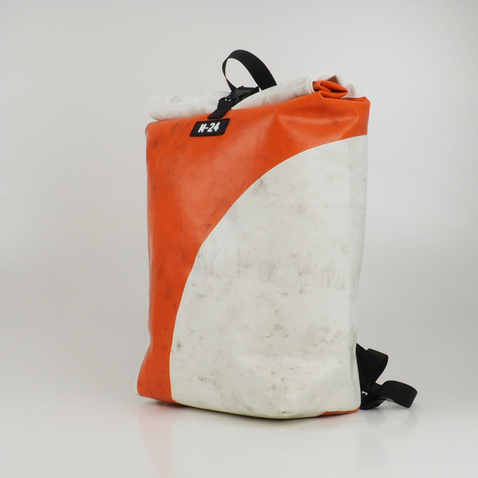 Medium rolltop backpack - red and white - No.2375