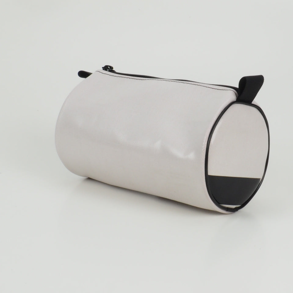 Duffle - distressed black and white - No.1305