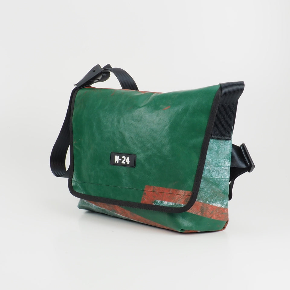 Messenger - red and green - No.774