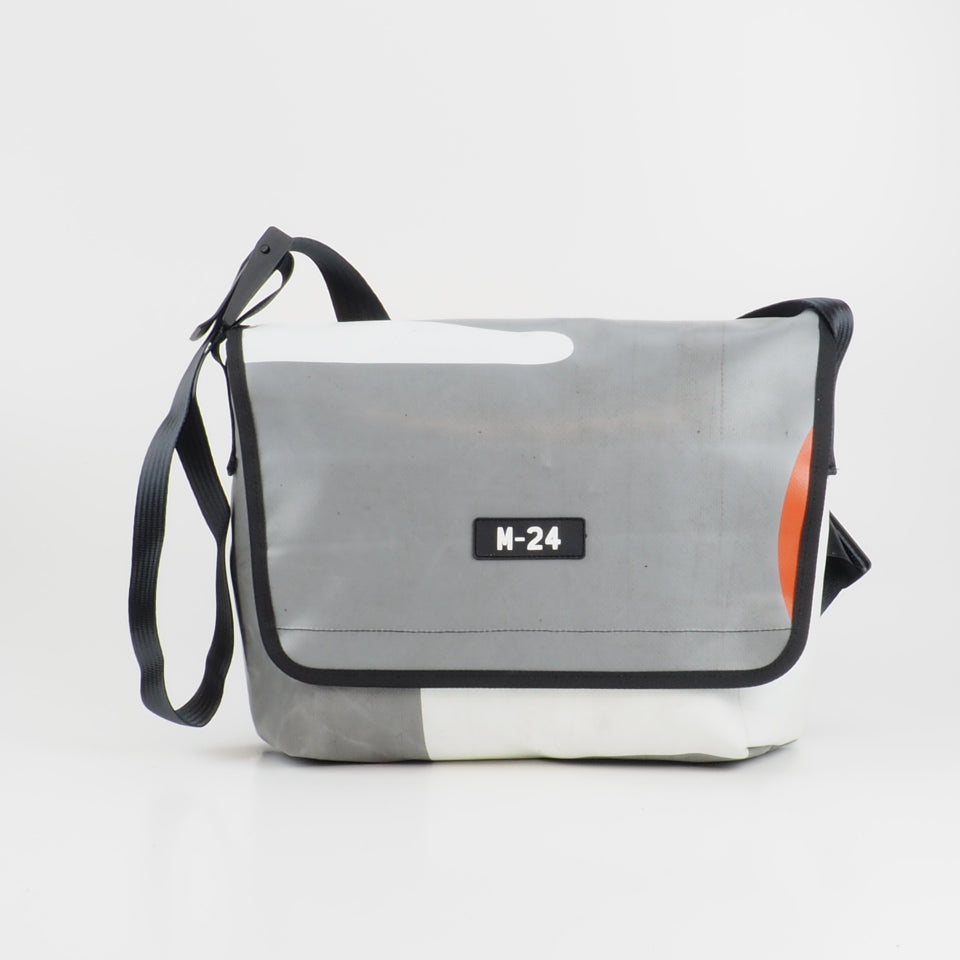 Messenger - grey, white and orange - No.753