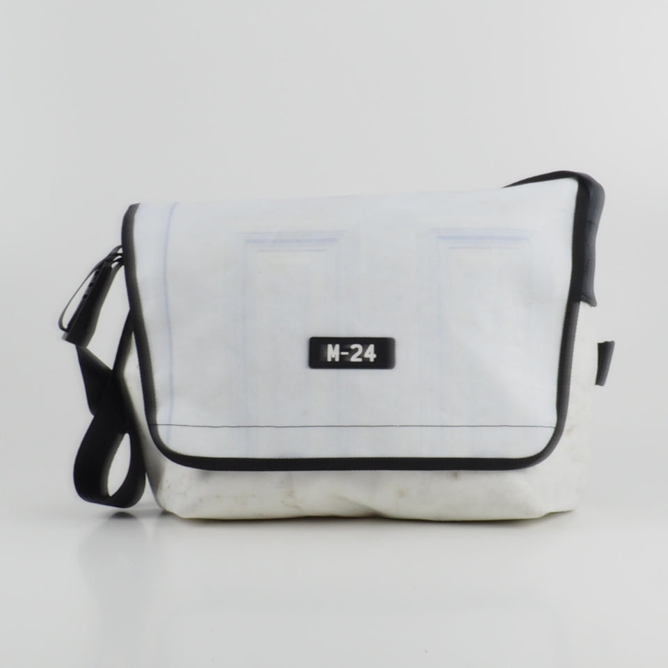 Messenger - white - No.811
